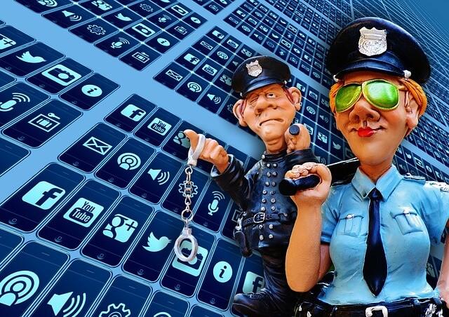 social-media-1679276_640